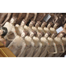 gestyleerde Damesfiguren van exclusief A-merk nwpr was aantoonbaar 550 euro!