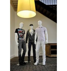 Abstracte herenfiguren van merk gruppo corso