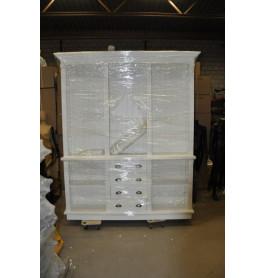 Witte winkelkast van 200 cm breed en 250 hoog