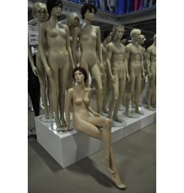 zittende Damesfiguren van exclusief A-merk