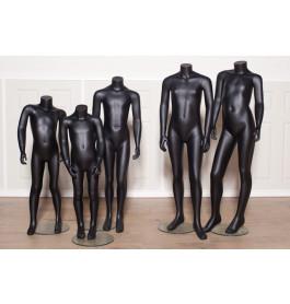 Kinderfiguren van merk gruppo corso, van 4 t/m 12 jaar in zwart