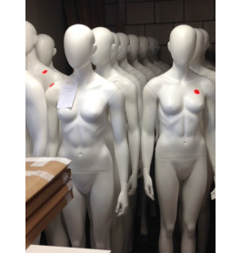 Faceless etalagepoppen van merk gruppo corso SLECHTS 1 X VERHUURD