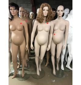 Zwangere vrouwen paspoppen