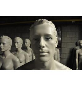 grijze gestyleerde abstracte heren mannequins met glazen ogen nwpr was 1200 euro!